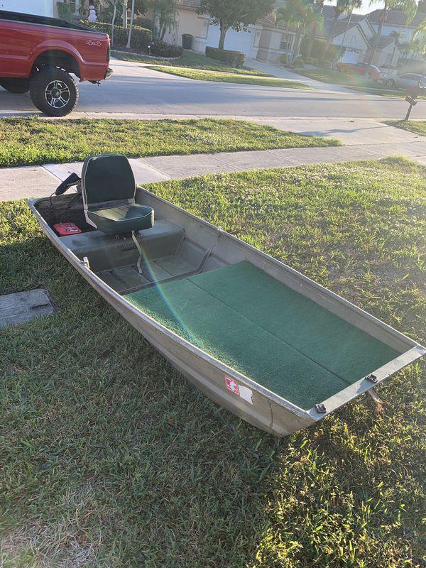 10 foot Jon boat LOADED for Sale in Boynton Beach, FL - OfferUp