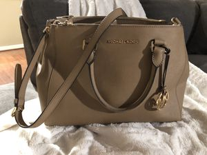 Michael Kors Sutton Large Satchel for Sale in Chantilly, VA