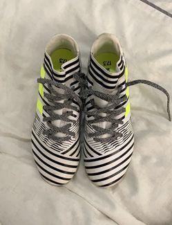 Boys adidas cleats size 4 Thumbnail