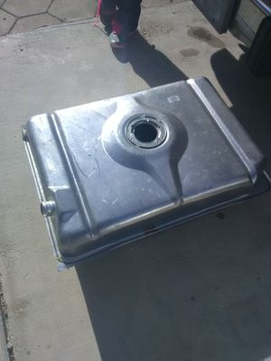 22 gallon fuel tank for 1995 Chevy g20 conversion van for Sale in North Las Vegas, NV