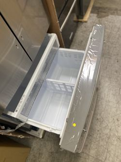 NEW ! 28 CU FT 3 DOOR SAMSUNG REFRIGERATOR IN STAINLESS STEEL WITH ICE/WATER DISPENSER Thumbnail
