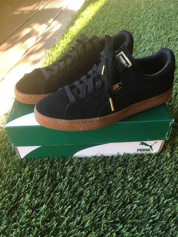 factory price adc87 48eb0 Puma Suede Classic Black/Gold womens 7.5 for Sale in Margate, FL - OfferUp