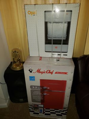 Brand new bedroom refrigerator and Ice maker for Sale in Reston, VA