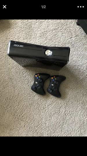 Xbox 360 + 2 controllers FREE 4 games for Sale in Gaithersburg, MD