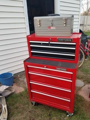 Photo Tool box craftsman with key