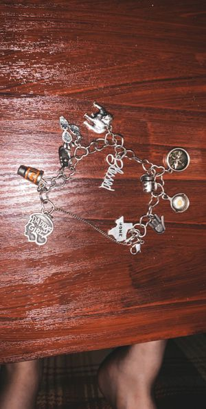 Photo James Avery bracelet with charms.