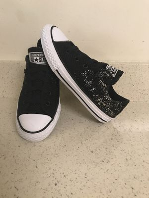 Converse all star shoes for girl size 1. for Sale in Gaithersburg, MD