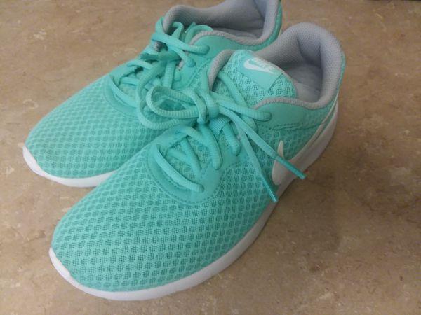 a35228db8758 Nike Tanjun GS sz 5Y Aurora Green for Sale in Seattle