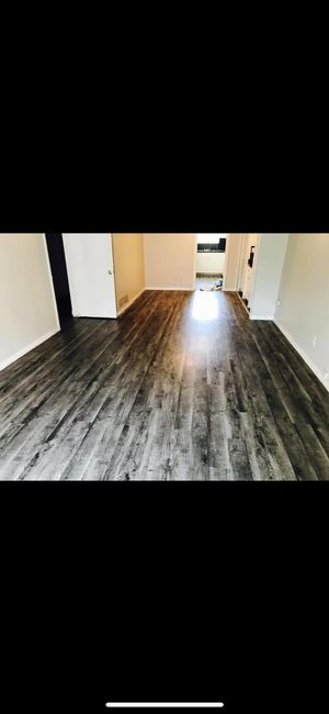 Laminated Flooring Flexible 220sqft With Underlaydment For Sale In