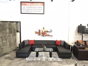 3 Piece Sectional Sofa for Sale in Hialeah, FL