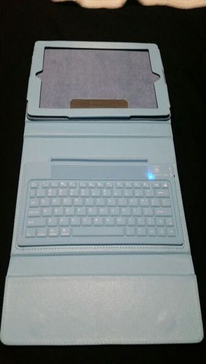 Ipad cover and keyboard for Sale in Cambridge, MA
