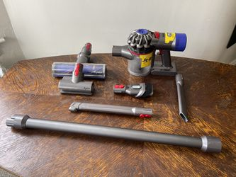 Dyson V7 Animal ALL Accessories Included Thumbnail