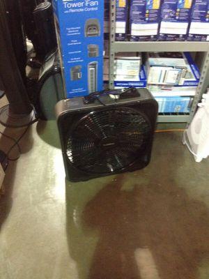 Lasko Weathershield select box fan for Sale in Phoenix, AZ