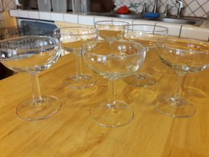 Champagne glasses (collectibles) for Sale in Tempe, AZ