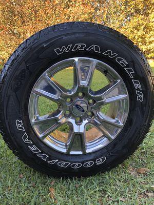 Photo F150 stock wheels