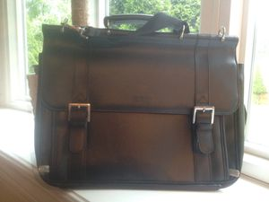 Kenneth Cole Briefcase for Sale in Silver Spring, MD