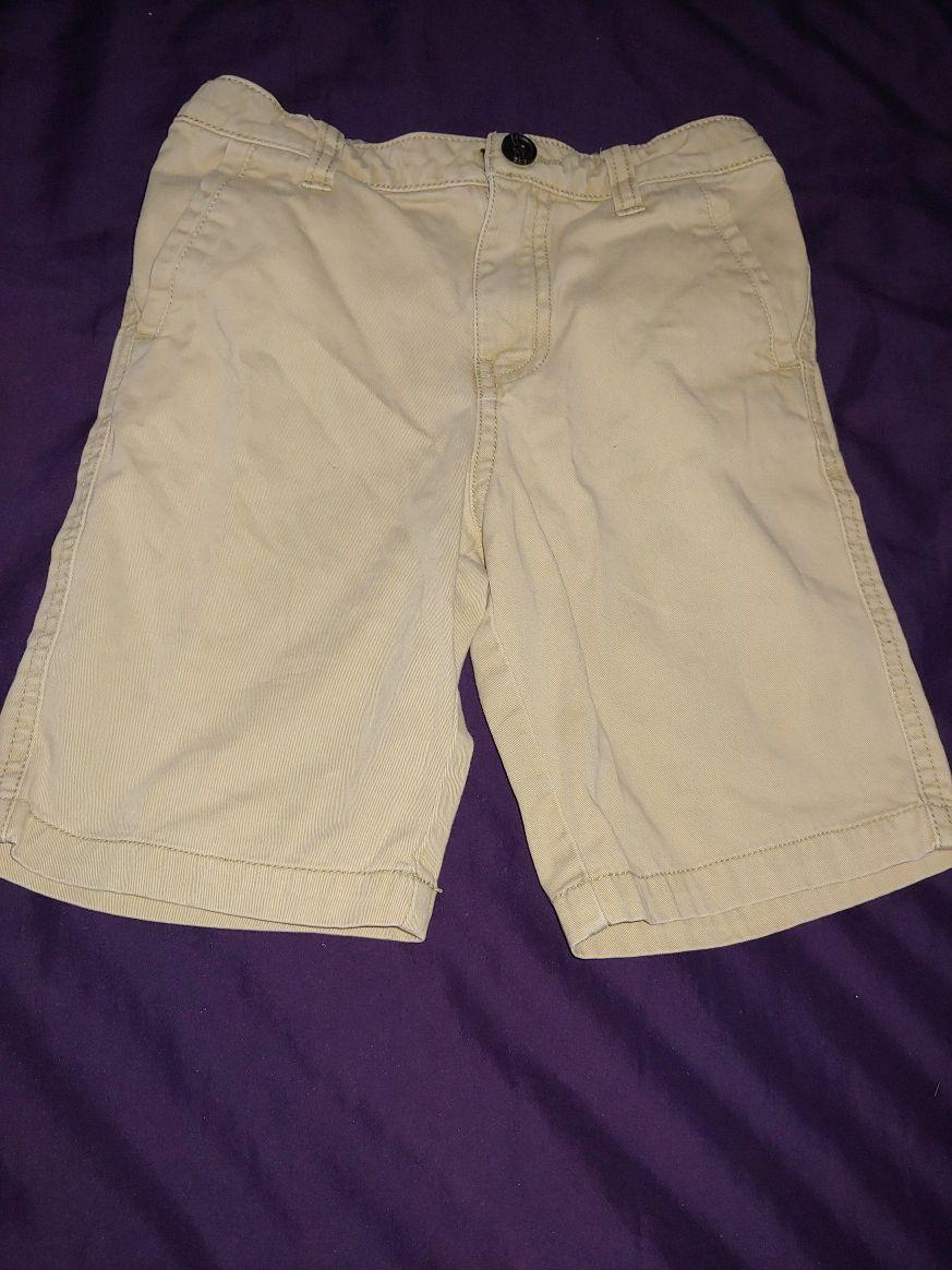 Boys clothes size 5T (Short)
