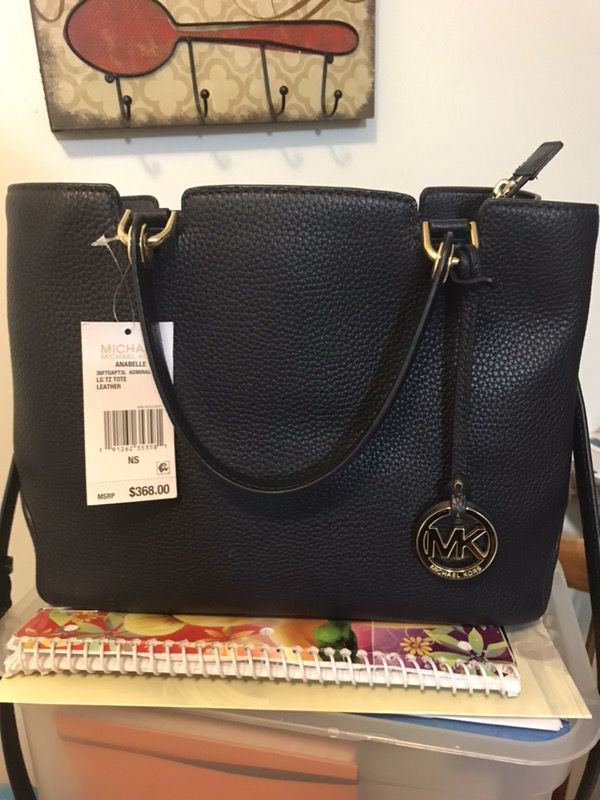3679ca4732f5 Michael kors leather purse for Sale in Cleveland, OH - OfferUp