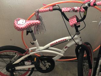 Hello Kitty Bike with Helmet Thumbnail