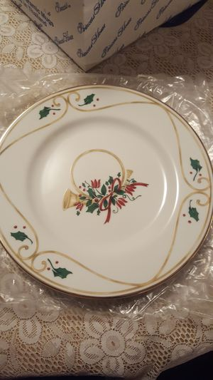 Princess House 4 Holiday Dessert Plates for Sale in Dillwyn, VA