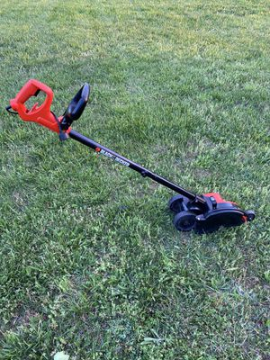 Photo Black and Decker 7.5in Landscape Edger, Trencher (Electric)
