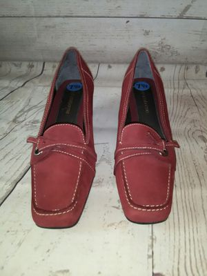Beautiful Liz Claiborne Shoe , women's size 7.5 ( excellent condition ) for Sale in Frederick, MD
