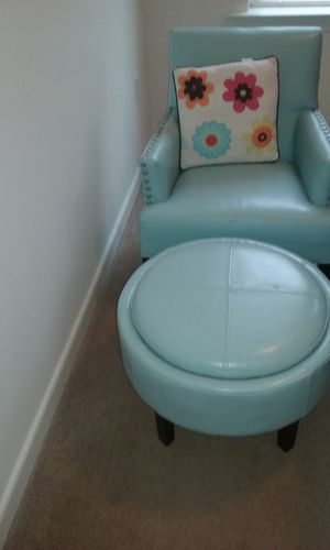 Leather Chair, Ottoman and accent pillow for Sale in Woodbridge, VA