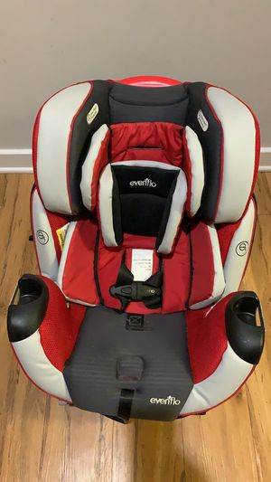 Evenflo convertible car seat for infant to toddler. Great condition, recently bought and gently used. for Sale in Fairfax, VA