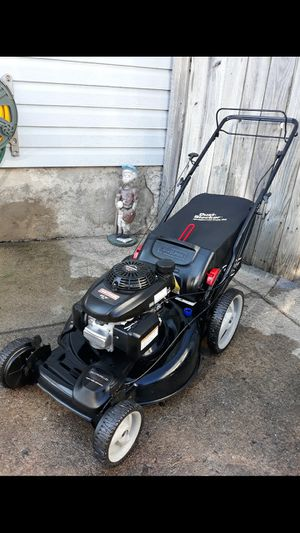 Photo Craftsman 22 Inch Self Propelled Lawnmower W/Bag And Honda 160cc Engine