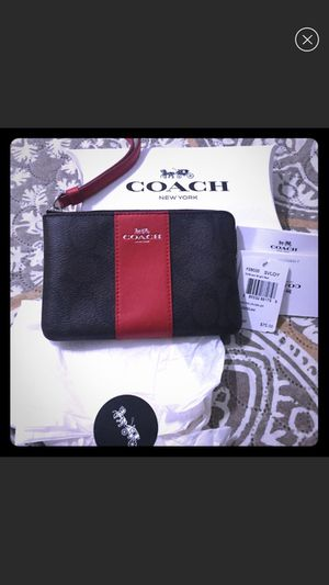 Authentic coach wristlet for Sale in Orlando, FL