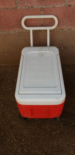 Igloo wheelie cooler for Sale in La Mirada, CA