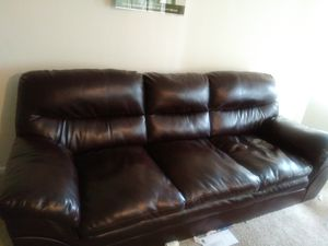 Leather Sofa in excellent condition for Sale....must Sell!! for Sale in Lanham, MD