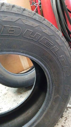 Bridgestone Dueler H/L 235/70/R16 for Sale in Boston, MA