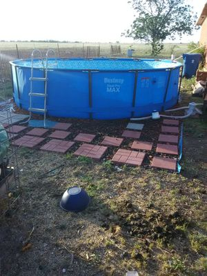 15 ft ×42 in swimming pool for Sale in Winters, TX