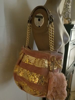 JUICY COUTURE PINK VELVET & GOLD SEQUIN STRIPES MAGNETIC SNAP PURSE for Sale in Orlando, FL