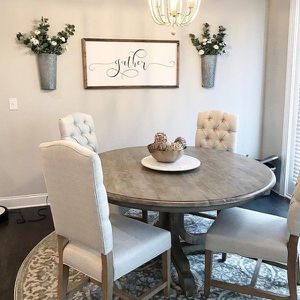Photo Pottery barn new dining table