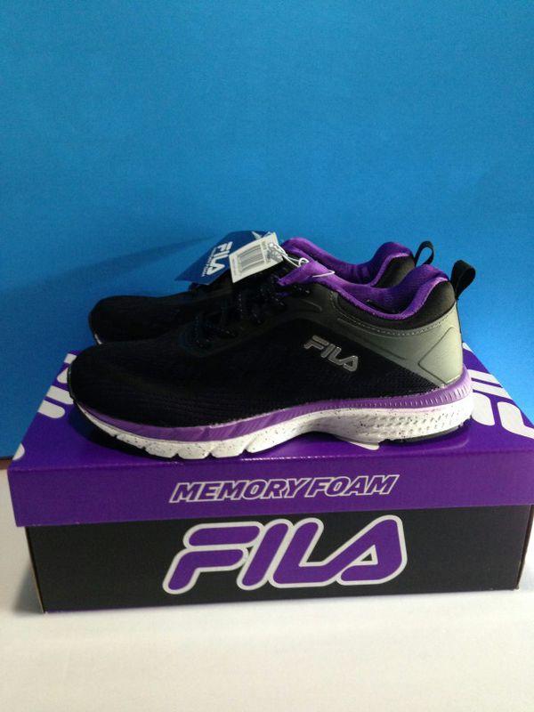 df93902c9bdb BRAND NEW Fila Women s Memory Foam Outreach Running shoes for Sale ...
