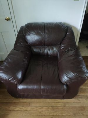 Leather Sofa Preowned Good Condition For In Rochester Ny