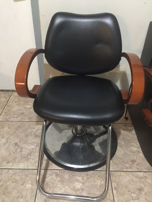 Styling Chair like NEW for Sale in Apopka, FL