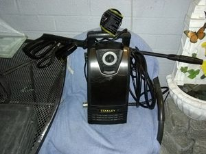 It's a Stanley 1.4 gallon electric cold water pressure washer for Sale in Las Vegas, NV
