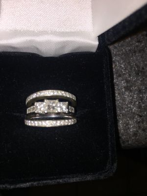 Size 5 wedding ring and bands all separated for Sale in Pittsburgh, PA