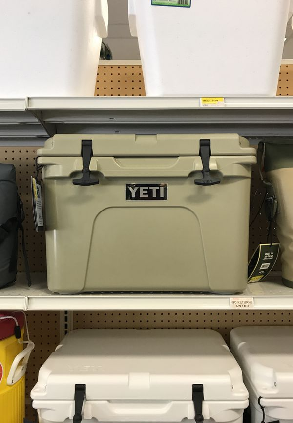 YETI Tundra 35 Tan Cooler for Sale in Spring, TX - OfferUp