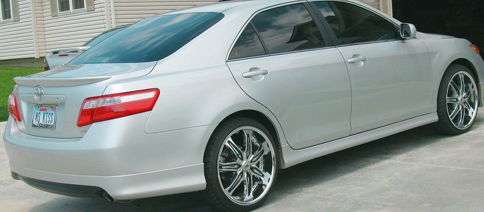Photo TOP OH THE LINE TOYOTA CAMRY SPORT PACKAGE