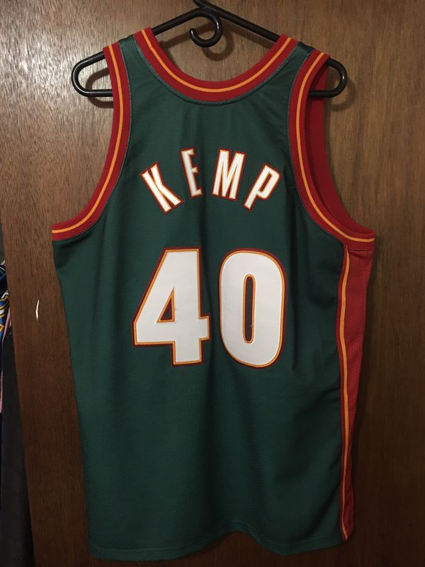 buy popular d0f76 c73ec Shawn Kemp Seattle Sonics NBA Finals Throwback Jersey! for Sale in Des  Moines, WA - OfferUp