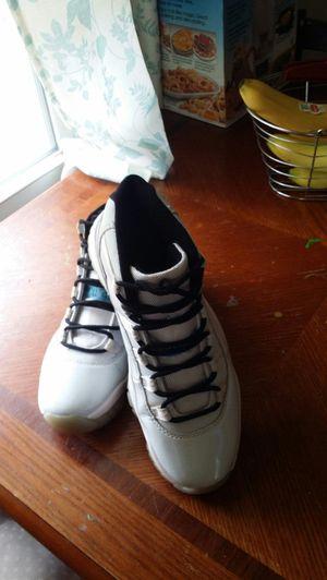 Jordans LEGEND 11s size 9 for Sale in Aiken, SC