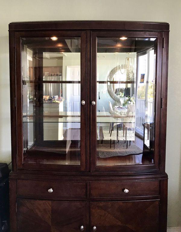 Beautiful Display China Cabinet Bookcase 249 Furniture In Tampa Fl Offerup