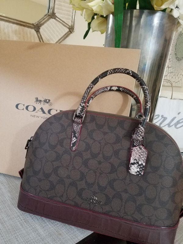 b2f0253627a1 Authentic Coach Satchel Handbag for Sale in Palm Springs