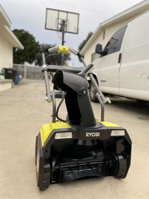 Photo RYOBI 20 in. 40-Volt Single-Stage Brushless Cordless Electric Snow Blower with 2.0 Ah Battery and Charger Included