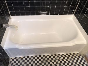 Tub and tile reglaze and refinishing for Sale in Alexandria, VA