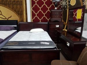 Cherry color queen-size complete bedroom sets for Sale in Takoma Park, MD
